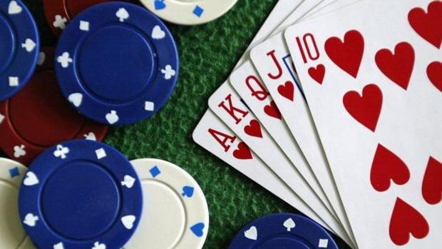 Ketahui kapan harus menahannya: SHA memperingatkan paparan COVID-19 di pesta poker, pertemuan lain di St. Louis, Sask.