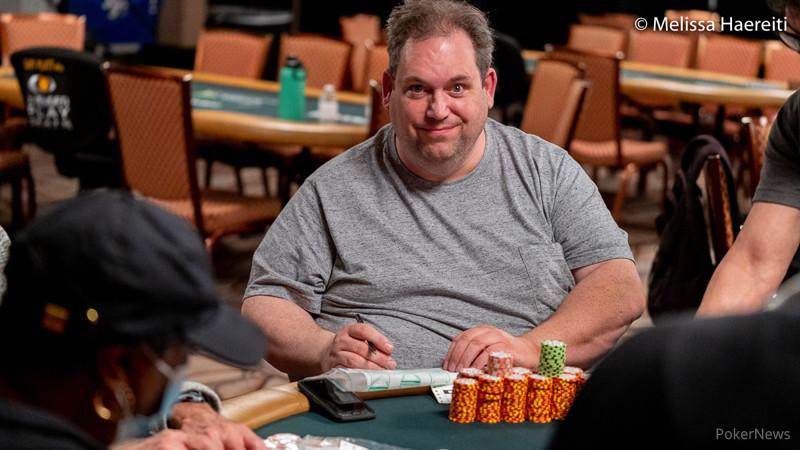 638 Pemain Kembali untuk Hari 2 Reuni pukul 10 pagi | Seri Poker Dunia 2021
