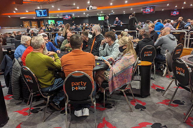 Poker Langsung Kembali ke Senja Hingga Fajar